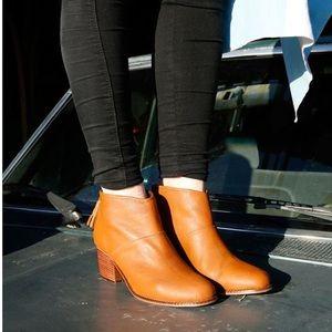 TOMS💕Cognac Leather Tassel Leila Ankle Bootie 8